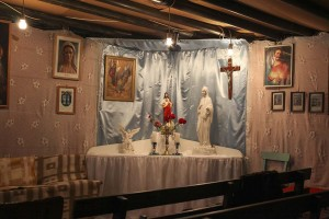 A Sátor részlete az oltárral