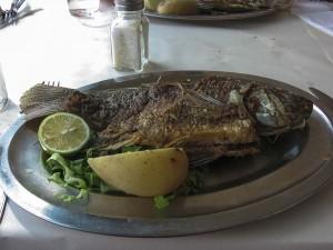 A Genezáreti-tó közkedvelt halát, a szentpéter-halat mi is megkóstolhattuk.