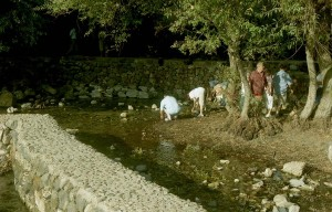 Cesárea Filippi. Sükösdi testvérek Jézus folyójának, a Jordánnak forrásánál.
